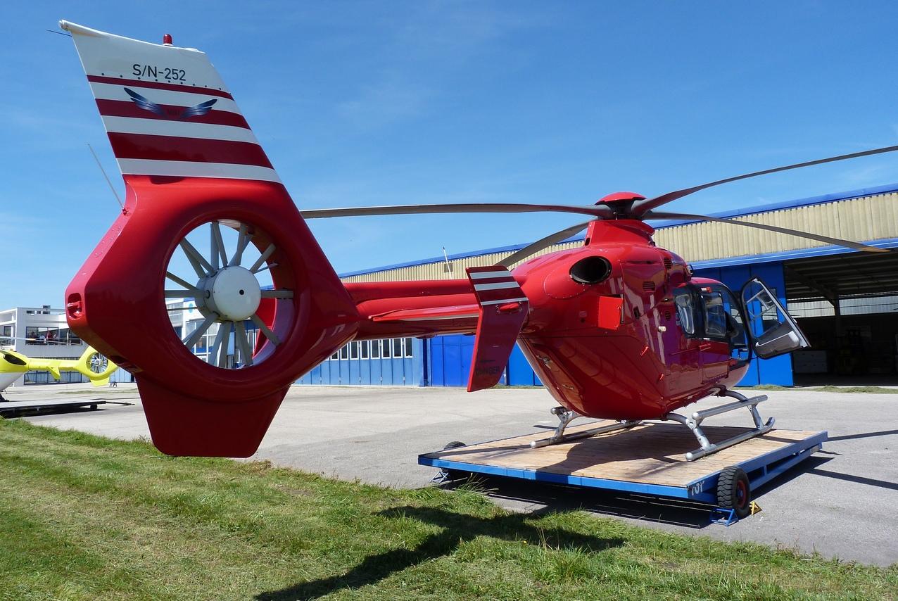 [06/08 - 17/08/2011] : Annemasse, Courchevel, Annecy, Chamonix... : Hélicos et avions dans les Alpes 1108310216331326458668077