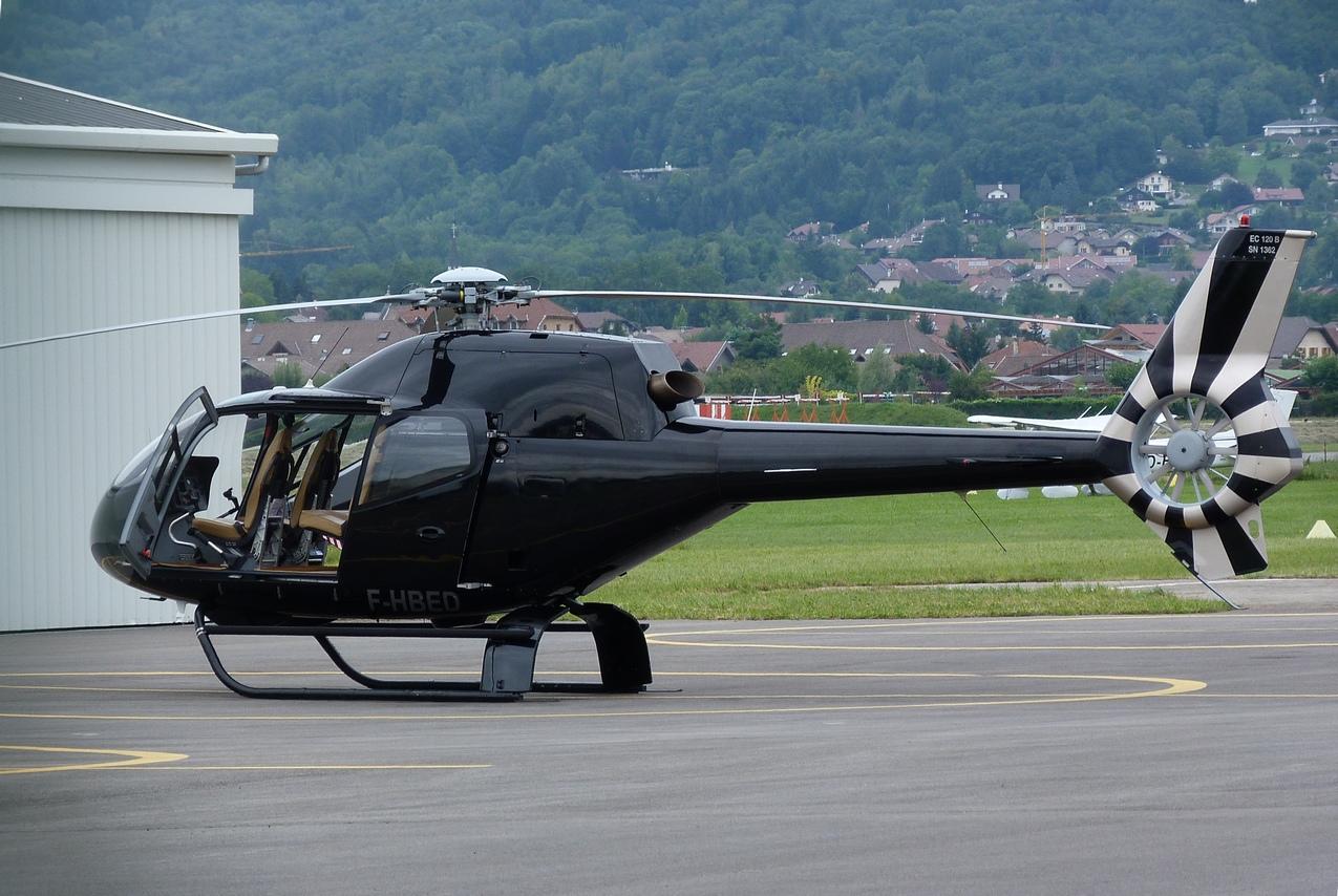 [06/08 - 17/08/2011] : Annemasse, Courchevel, Annecy, Chamonix... : Hélicos et avions dans les Alpes 1108310233511326458668144