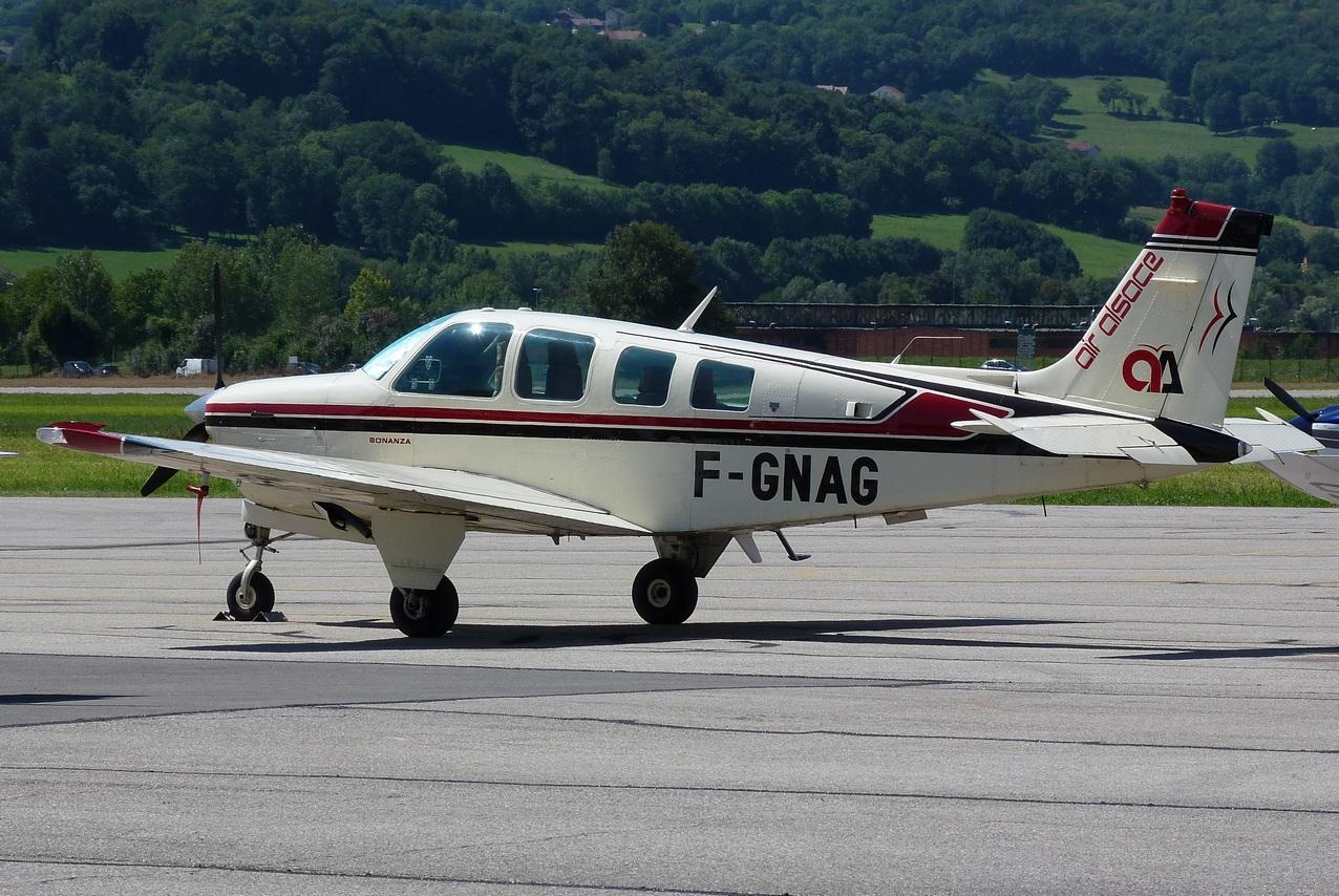 [06/08 - 17/08/2011] : Annemasse, Courchevel, Annecy, Chamonix... : Hélicos et avions dans les Alpes 1108310233521326458668146