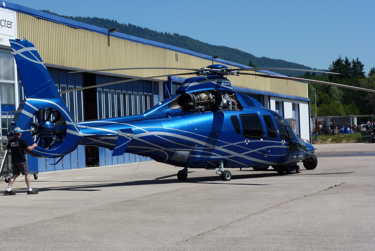 [06/08 - 17/08/2011] : Annemasse, Courchevel, Annecy, Chamonix... : Hélicos et avions dans les Alpes 1108310250001326458668162