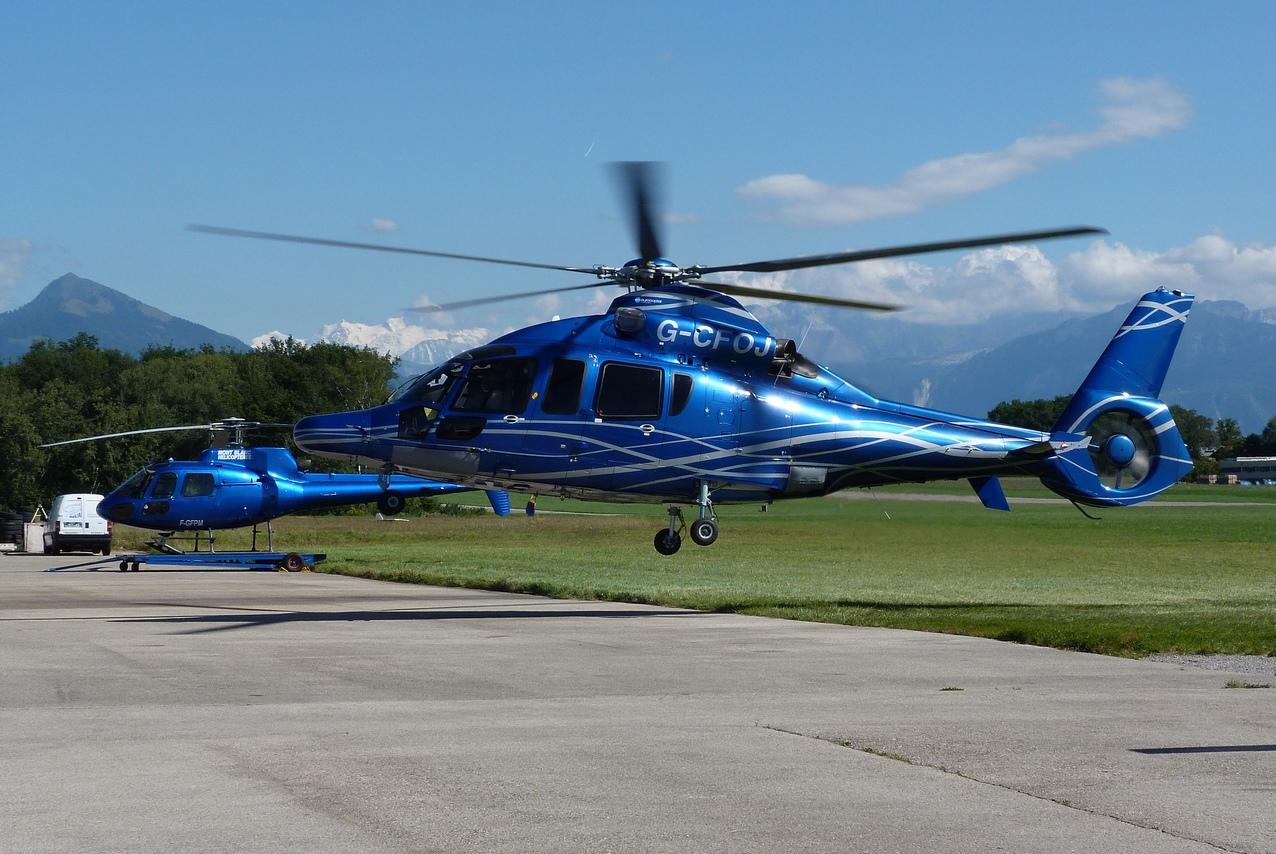 [06/08 - 17/08/2011] : Annemasse, Courchevel, Annecy, Chamonix... : Hélicos et avions dans les Alpes 1108310251071326458668164