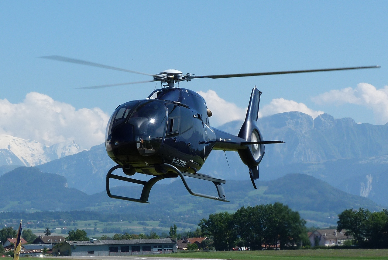 [06/08 - 17/08/2011] : Annemasse, Courchevel, Annecy, Chamonix... : Hélicos et avions dans les Alpes 1108310253161326458668169
