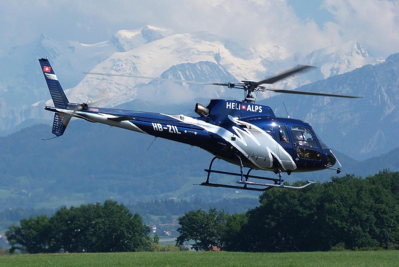 [06/08 - 17/08/2011] : Annemasse, Courchevel, Annecy, Chamonix... : Hélicos et avions dans les Alpes 1108310254241326458668171