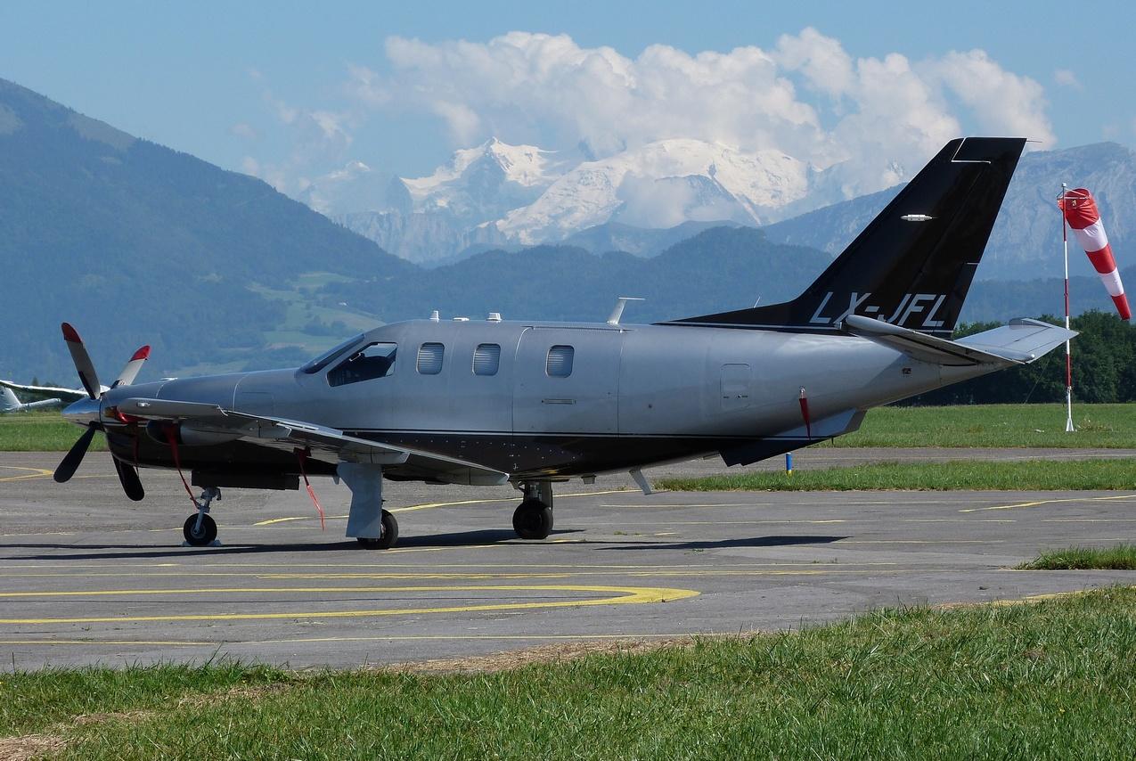 [06/08 - 17/08/2011] : Annemasse, Courchevel, Annecy, Chamonix... : Hélicos et avions dans les Alpes 1108310254551326458668172