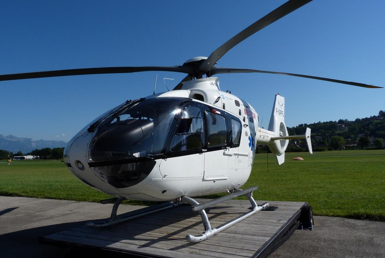 [06/08 - 17/08/2011] : Annemasse, Courchevel, Annecy, Chamonix... : Hélicos et avions dans les Alpes 1108310255311326458668174