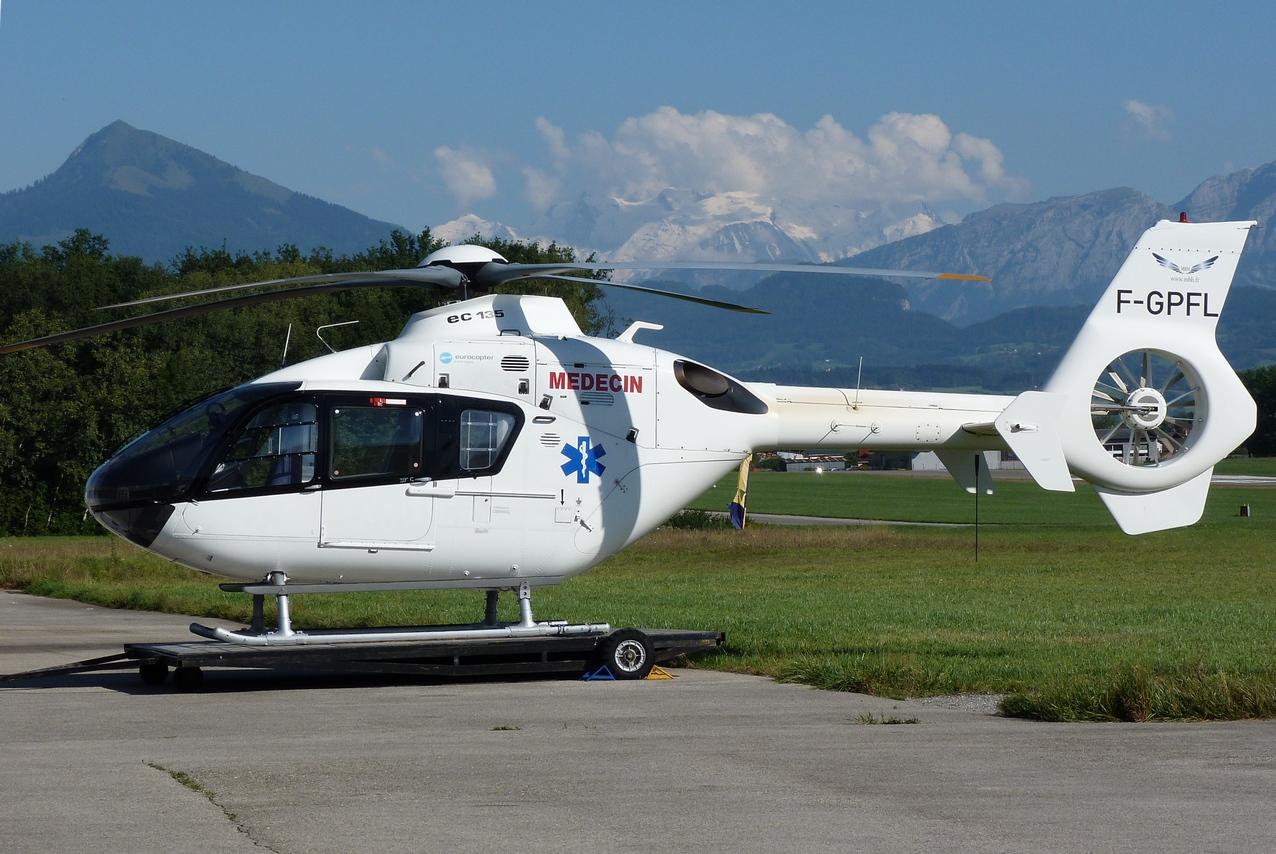 [06/08 - 17/08/2011] : Annemasse, Courchevel, Annecy, Chamonix... : Hélicos et avions dans les Alpes 1108310422261326458668225