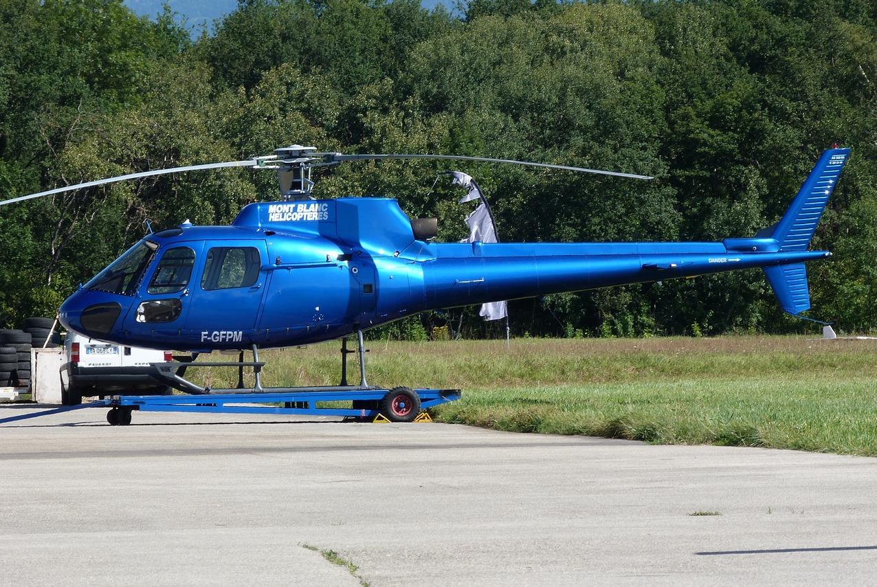 [06/08 - 17/08/2011] : Annemasse, Courchevel, Annecy, Chamonix... : Hélicos et avions dans les Alpes 1109011019061326458677762