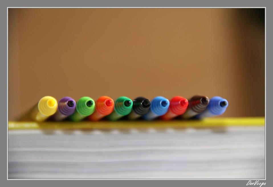 Défi n° 55: Crayons vs. Feutres 110907025452440188705453