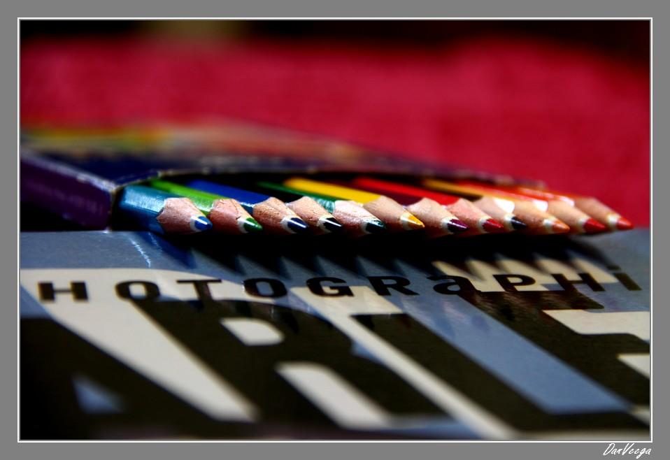 Défi n° 55: Crayons vs. Feutres 110907094353440188704422