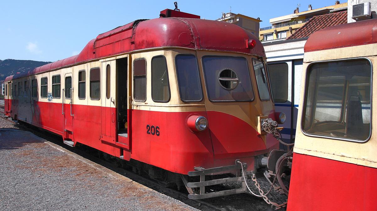 l'autorail Calvi - l'ile Rousse et la gare 110910062650749578722218
