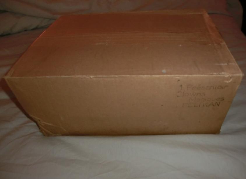 Cartons et conditionnements d'usine - Factory cases - Page 2 110913102253668848739930