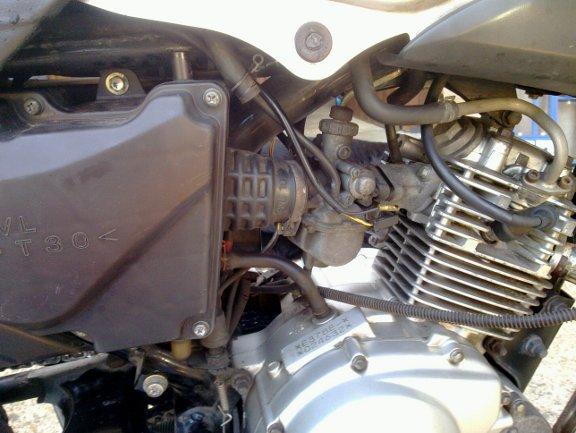 Honda 125 twin ybr125 d montage nettoyage carbu - La piece montee on va la demonter ...