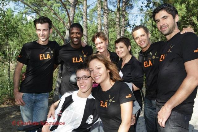 Les comédiens s'engageant dans l'association ELA 1110181113151304238922446
