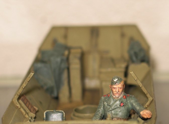 sd.kfz 251/21 ausf D AFVclub 1/35 - Page 5 111221082543667019205918