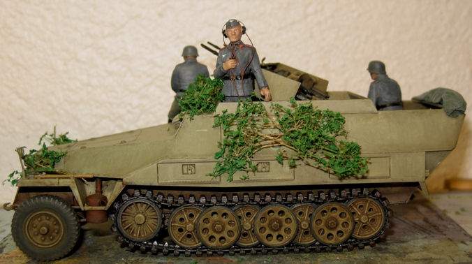 sd.kfz 251/21 ausf D AFVclub 1/35 - Page 7 120107033009667019269614