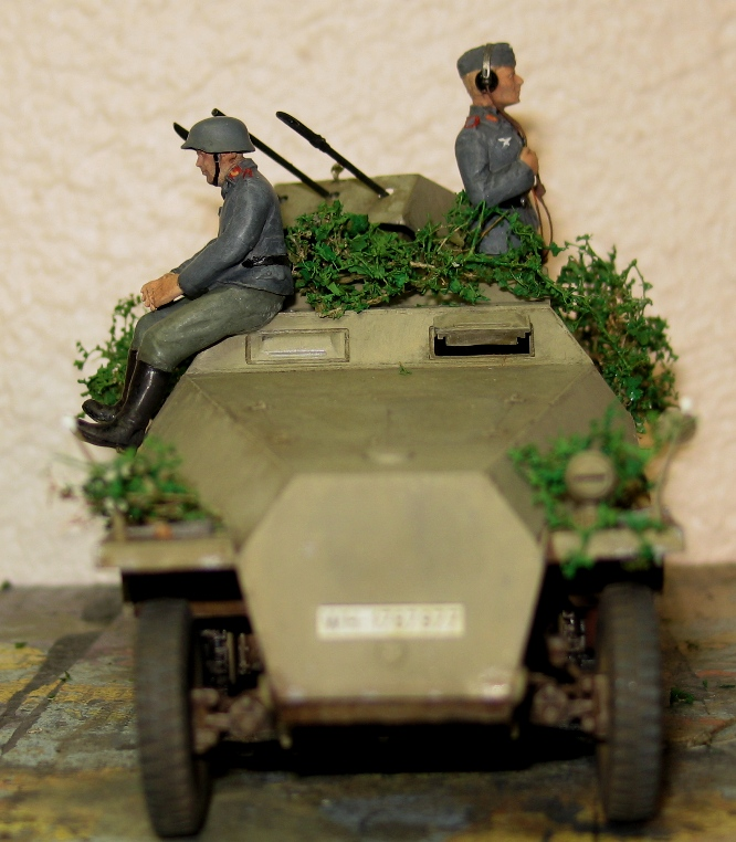 sd.kfz 251/21 ausf D AFVclub 1/35 - Page 7 120107033020667019269616