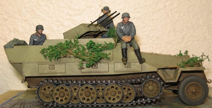 sd.kfz 251/21 ausf D AFVclub 1/35 - Page 7 120107033029667019269617