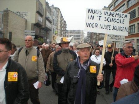Zaterdag 31 maart 2012 : gemeenschappelijke manifestatie in Rijsel voor de erkenning van het Vlaams en het Picardisch 1203311036521419619656050