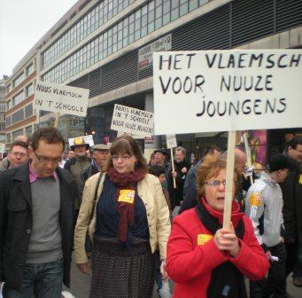 Zaterdag 31 maart 2012 : gemeenschappelijke manifestatie in Rijsel voor de erkenning van het Vlaams en het Picardisch 1203311039111419619656052