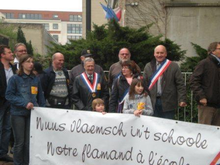 Zaterdag 31 maart 2012 : gemeenschappelijke manifestatie in Rijsel voor de erkenning van het Vlaams en het Picardisch 1203311105231419619656148