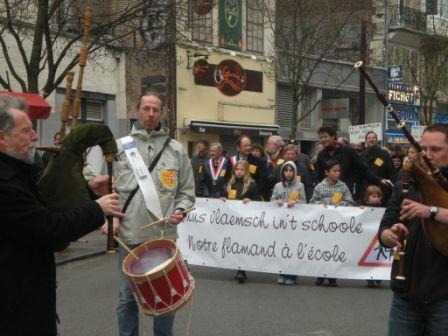 Zaterdag 31 maart 2012 : gemeenschappelijke manifestatie in Rijsel voor de erkenning van het Vlaams en het Picardisch 1203311111181419619656156