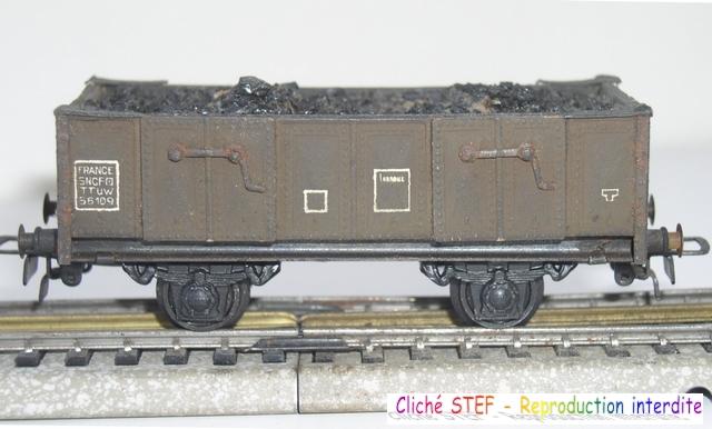 Wagons tombereau 2 essieux maquette chargés 120404012219878979671728