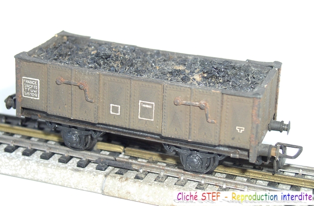 Wagons tombereau 2 essieux maquette chargés 120404124940878979671530