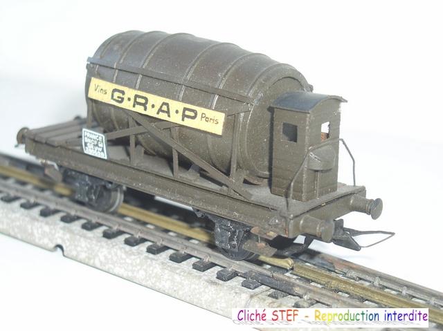 Wagons à 2 ess maquette citernes, foudres 120410071422878979701177