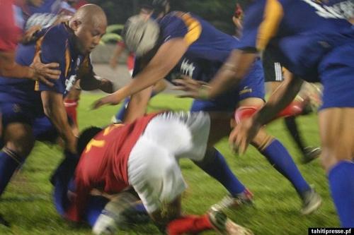 Le rugby à Niue dans la réalité: photos 120413020127906449712241