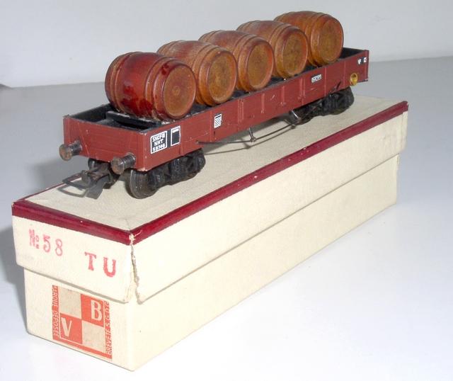 Wagons plats à bogies maquette et semi maquette chargés 120414080458878979718857