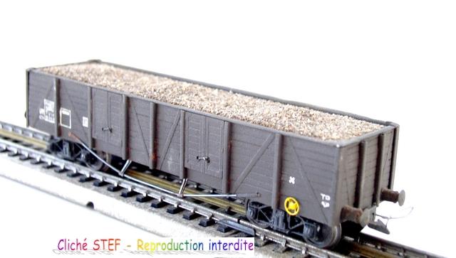 Wagons tombereaux à bogies maquette chargés 120416013018878979725859
