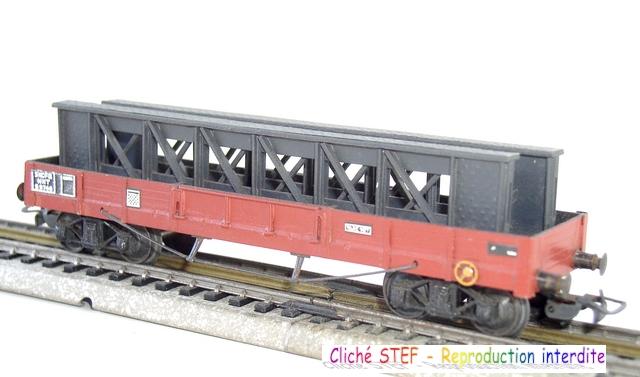 Wagons plats à bogies maquette et semi maquette chargés 120416025238878979726098