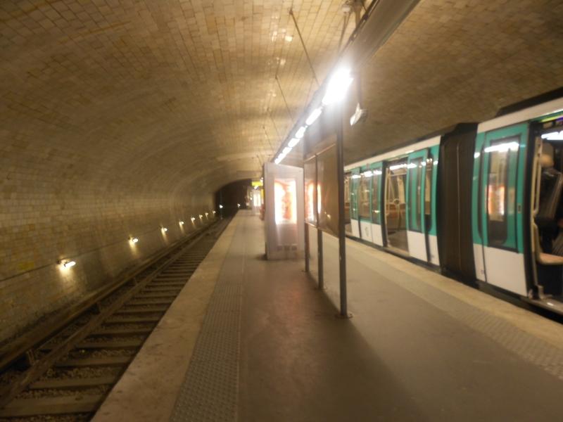 Métro Porte Dauphine ligne 2