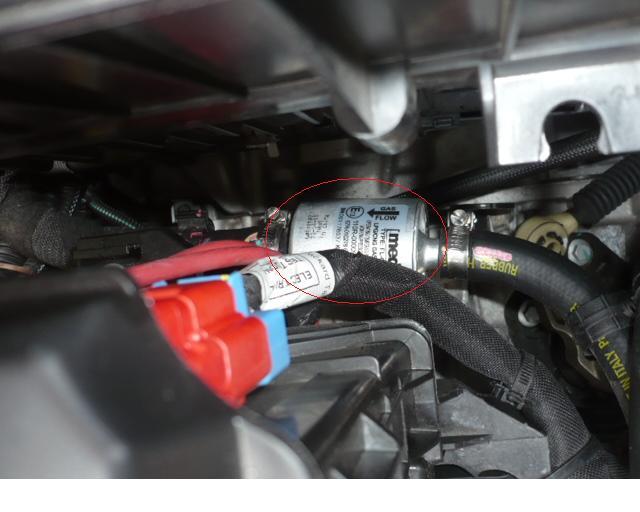 Changement filtre a essence clio 3 1 2 16v
