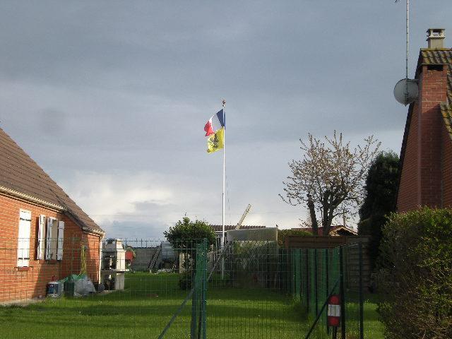 De Vlaamse vlag op onze huizen hangen 1204210900571419619749337