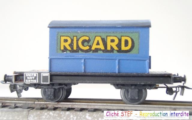 VB semi maquette 2ess container Ricard bleu  P1011463