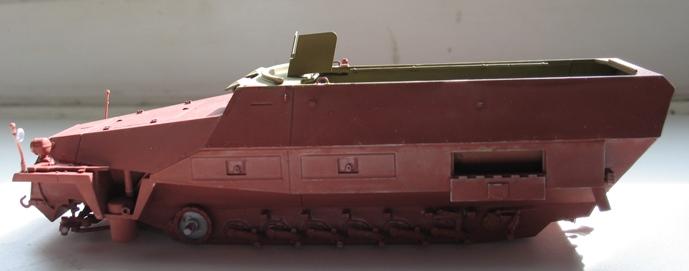 sd kfz 251/1 ausf D Dragon 1/35 - Page 2 120428045600667019777592