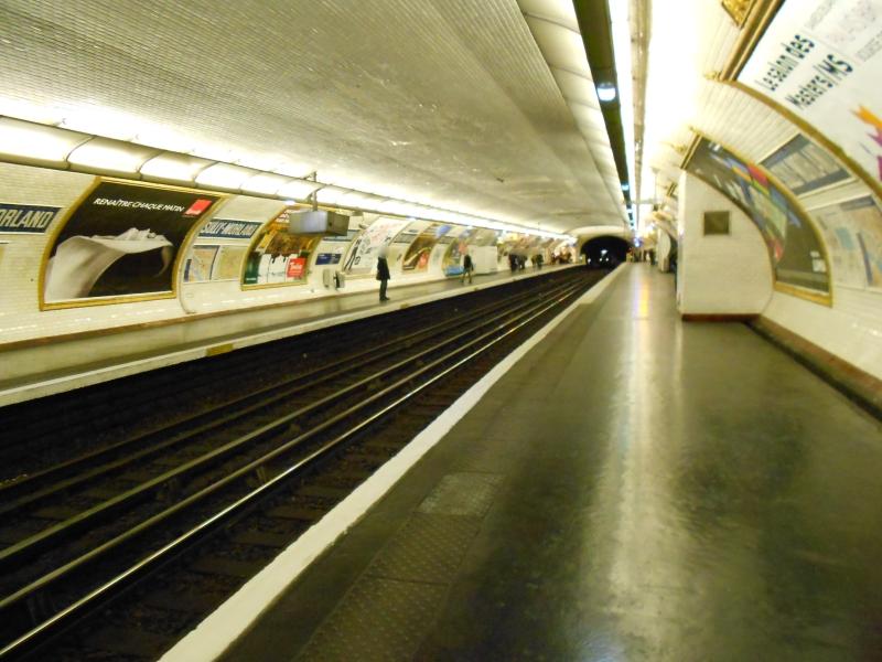 Métro Sully-Morland ligne 7