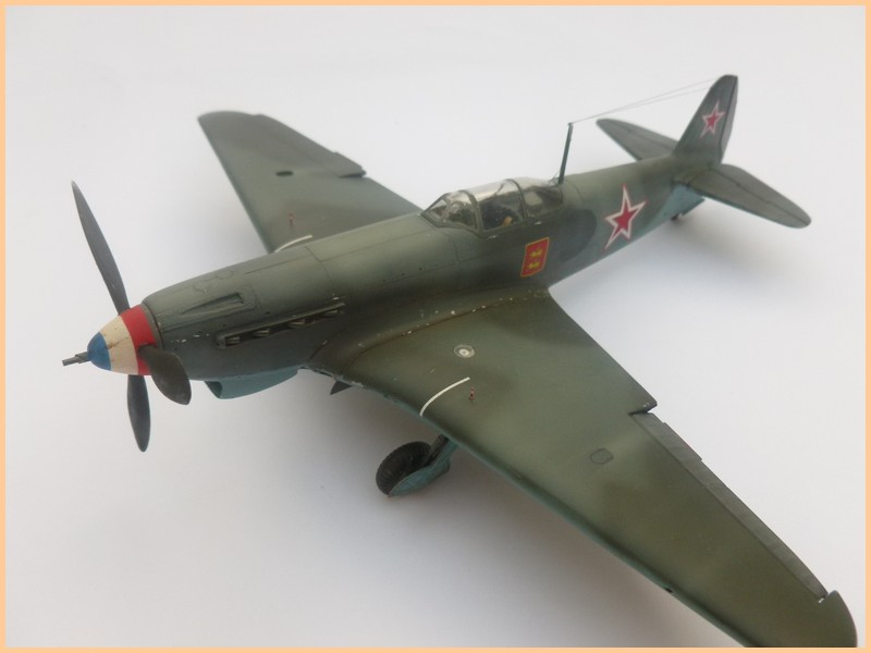 yak-9 T de pouyade; maquette ICM au 1/48 1205090834061476839830174