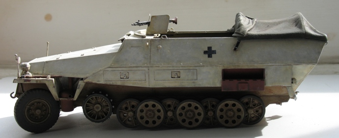 [Dragon] Sd. Kfz. 251/2 Ausf. D 120510061019667019833734