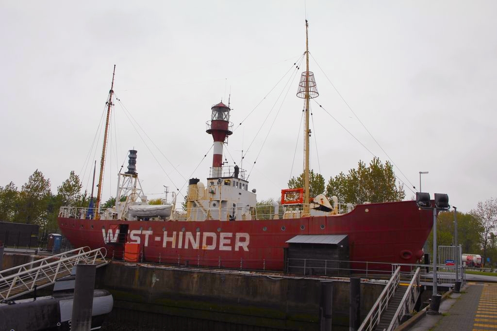 Visite à Zeebrugge, et à sa base navale 1205131224031394009845760