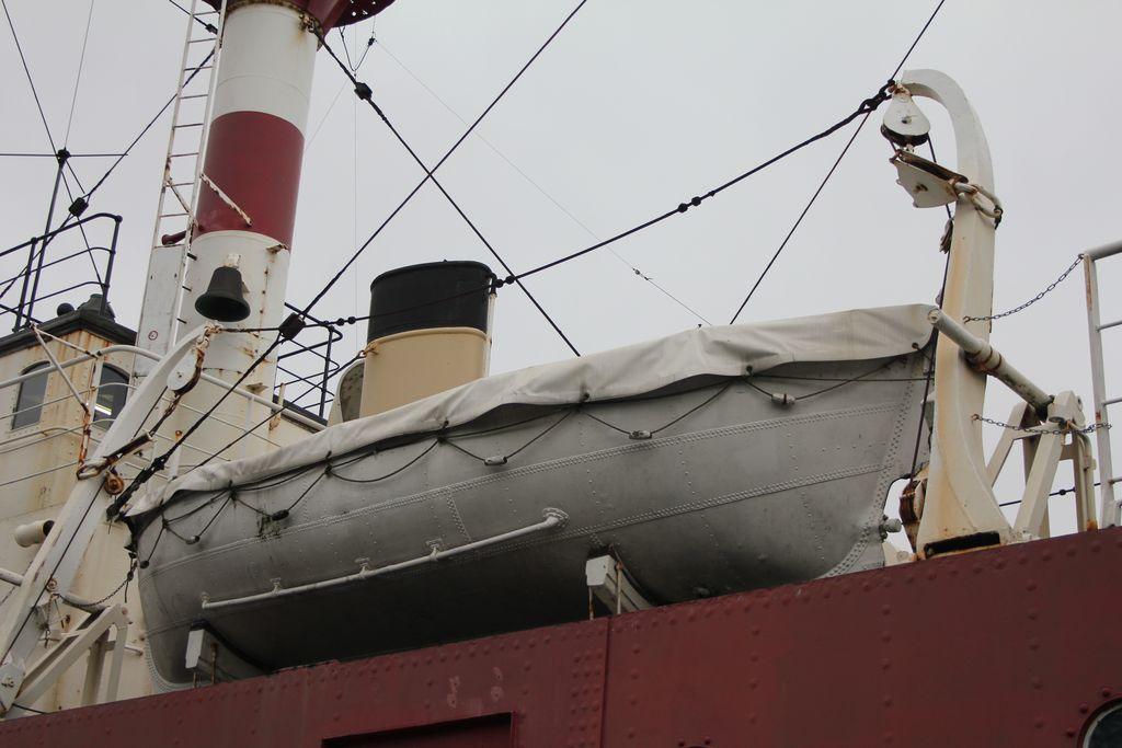 Visite à Zeebrugge, et à sa base navale 1205131224051394009845762