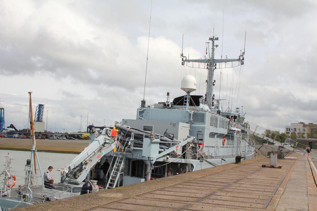 Visite à Zeebrugge, et à sa base navale 1205131244081394009845816