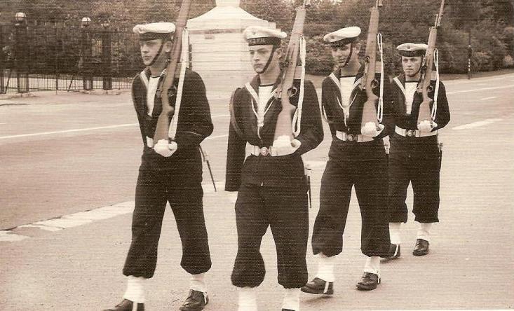 La ZM-FN / Marine monte la garde au Palais Royal à Bruxelles - Page 2 1205170540571144819864469
