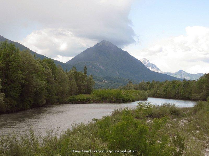 riviere isere savoie france