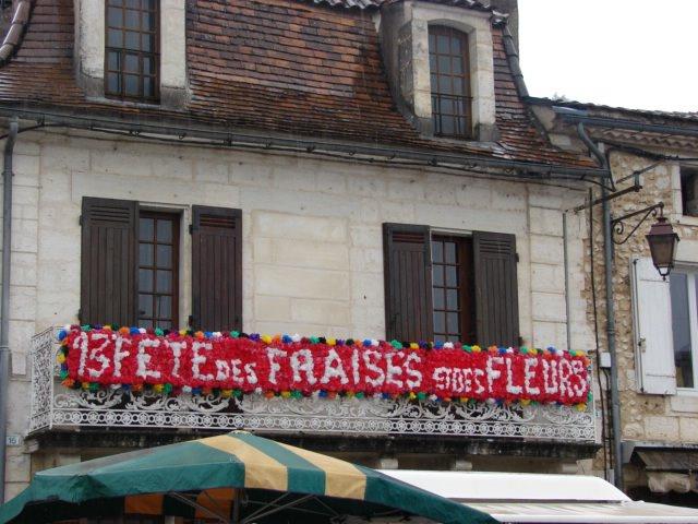 Vergt, pays de la Fraise dans gourmandises 1205200605021286899877411
