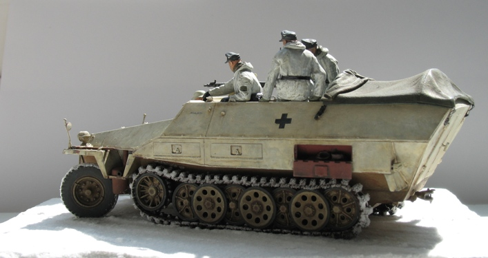 Sd.Kfz 251/1 Ausf.D Dragon 1/35 120524044513667019894629