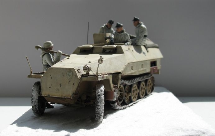Sd.Kfz 251/1 Ausf.D Dragon 1/35 120524044524667019894630