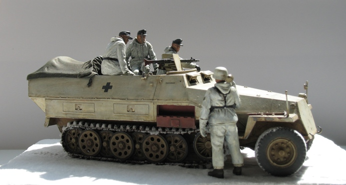 Sd.Kfz 251/1 Ausf.D Dragon 1/35 120524044533667019894631