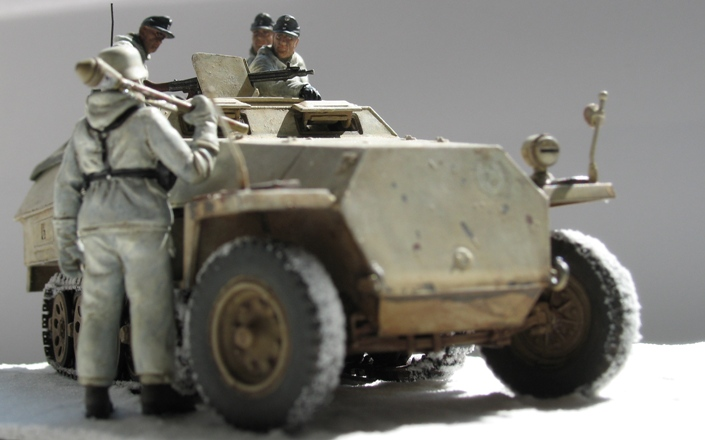 Sd.Kfz 251/1 Ausf.D Dragon 1/35 120524044758667019894647